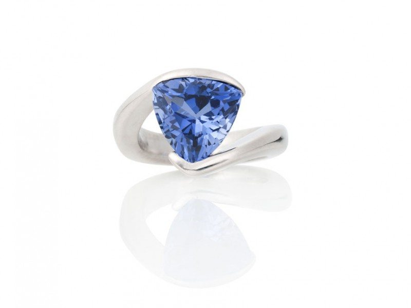 Berlian-Arts-James-Kaya-Sapphire-Ring-1
