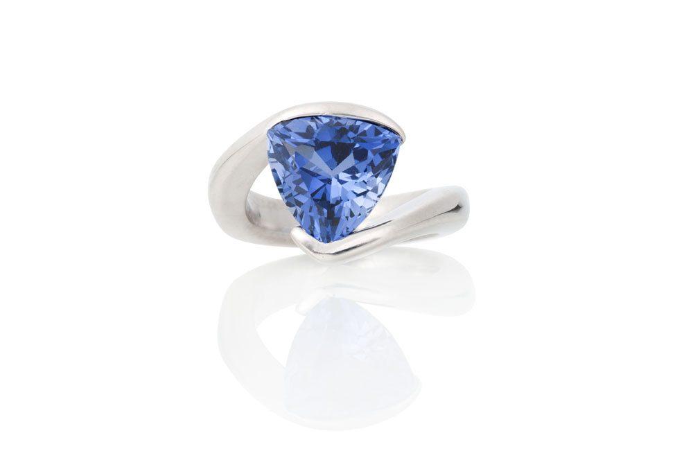 Berlian-Arts-James-Kaya-Sapphire-Ring-1